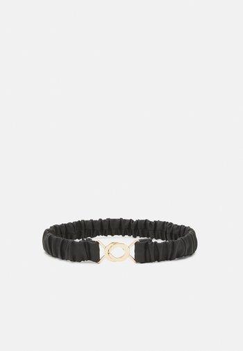 PCLEVI WAIST BELT - Waist belt - black/gold-coloured
