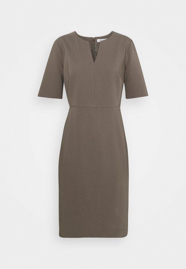 ZELLA  - Sukienka etui - sandy grey