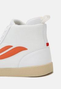 Genesis - G-HELÁ MID UNISEX - Vysoké tenisky - white/orange - 6