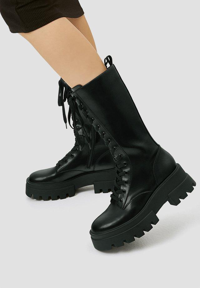 Kozaki na platformie - black