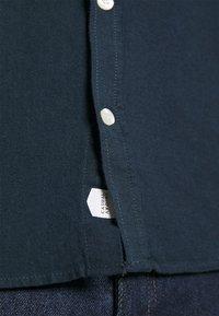 Casual Friday - ANTON DETACHABLE COLLAR - Camicia - navy blazer - 5