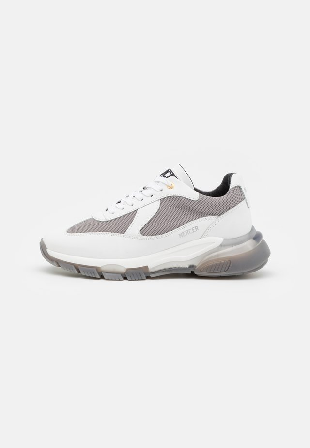 WOOSTER 2.0 - Joggesko - white/grey
