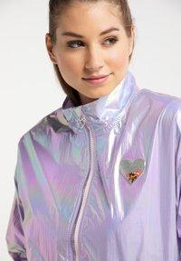 myMo - Regnjakke / vandafvisende jakker - lilac holographic - 3