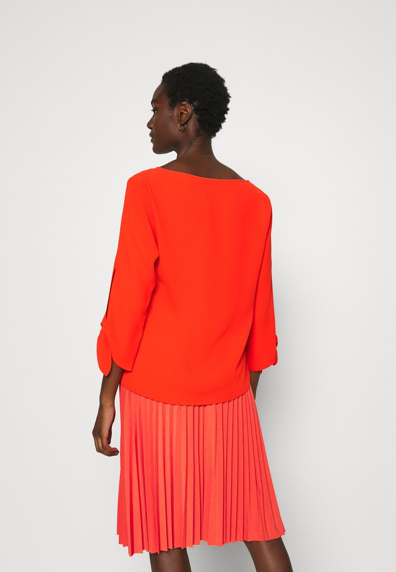 Esprit Collection MATT SHINY - Bluse - red orange/rot AU3JTv