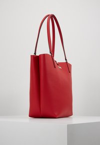 Guess - ALBY TOGGLE TOTE SET - Tote bag - lipstick - 3