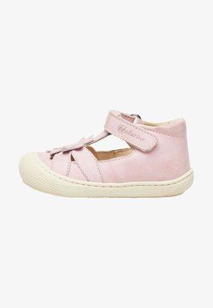 PREMIERS PAS AVEC FLEUR APPLIQUÉE - Baby shoes - rosa