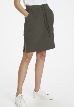 NAYA  - Pencil skirt - grape leaf