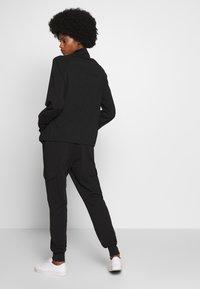 Kaffe - KASIGGI LINDA PANTS  - Cargo trousers - black deep - 2