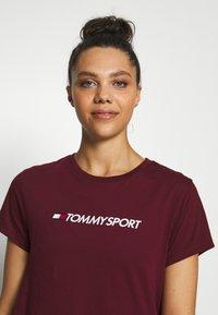 Tommy Sport - MIX CHEST LOGO - Print T-shirt - purple - 5