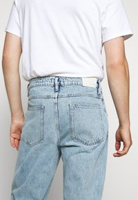 CLOSED - X LENT - Jeans Tapered Fit - light blue - 3