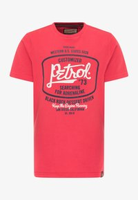 Petrol Industries - Print T-shirt - imperial red - 0