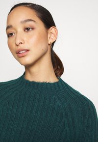 Monki - Jumper - green dark - 4