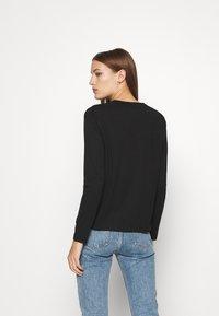 Calvin Klein - CORE LOGO CREW TEE - Long sleeved top - black - 2