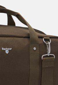 Barbour - CASCADE HOLDALL UNISEX - Weekend bag - olive - 3