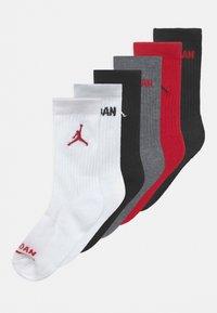 Jordan - JORDAN LEGEND CREW 6 PACK UNISEX - Urheilusukat - gym red/black - 0