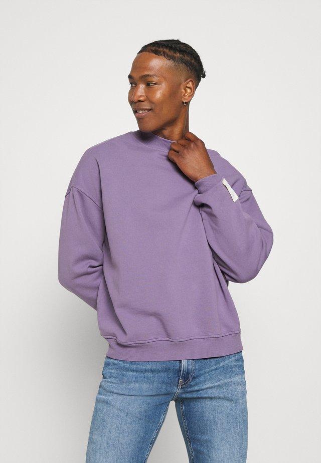 PURPLE OVERSIZED HIGHNECK - Sweatshirts - purple