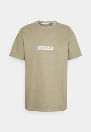AKARNE BOXY - T-shirt print - incense