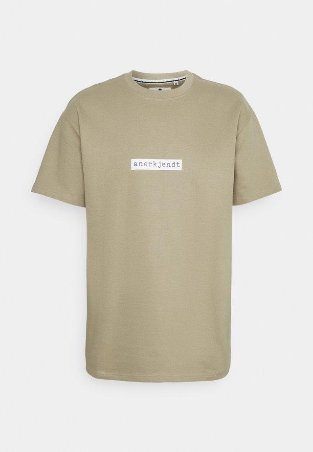 AKARNE BOXY - T-shirts print - incense