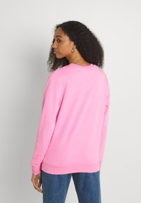Tommy Jeans - REGULAR ESSENTIAL LOGO - Mikina - pink daisy - 2