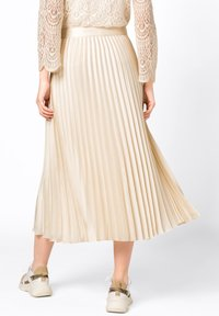HALLHUBER - Pleated skirt - creme - 1