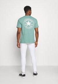 Only & Sons - ONSWARP LIFE CROP - Slim fit jeans - white denim - 2