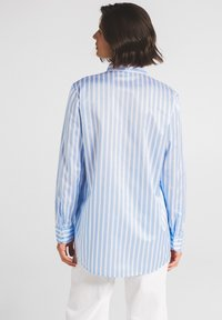 Eterna - Button-down blouse - hellblau/weiß - 1