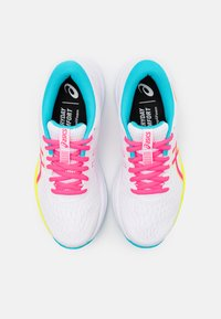 ASICS - GEL-EXCITE 7 - Neutrale løbesko - white/safety yellow - 3