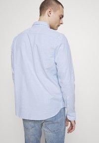 Hollister Co. - Camisa - light blue - 2