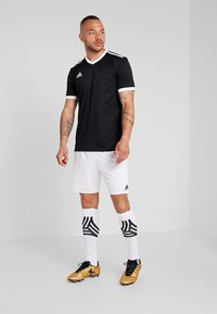 adidas Performance - TABELA 18 - T-shirt med print - black/white - 1