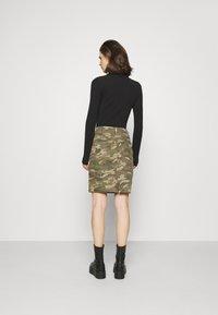 Cream - CRPENORA SKIRT - Pencil skirt - green camou - 2
