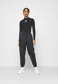 Nike Sportswear - Long sleeved top - black/white - 1