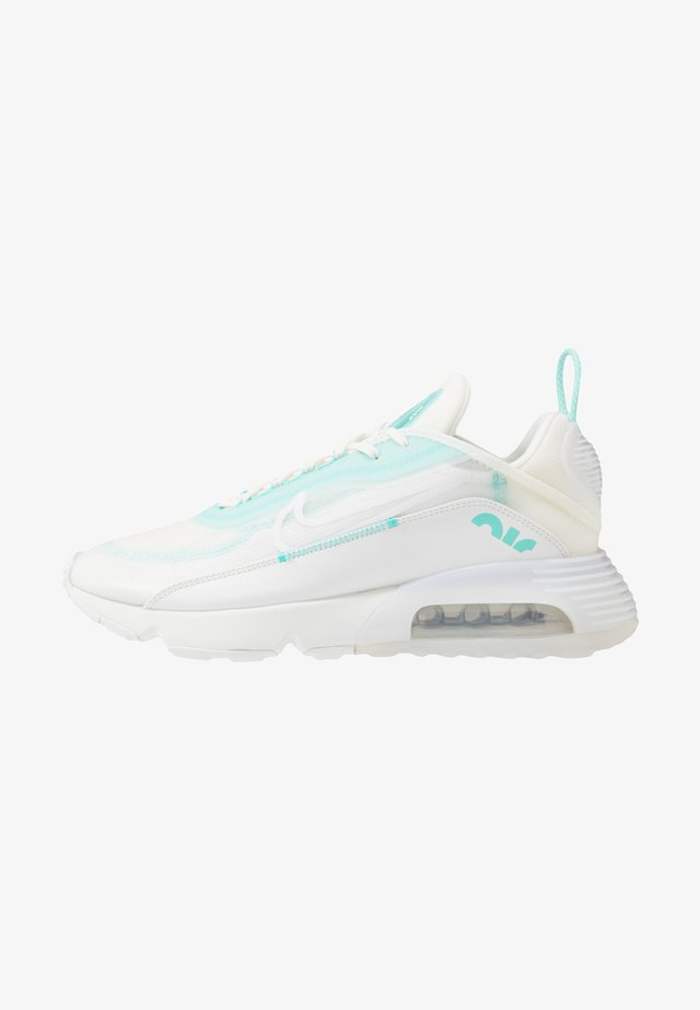 AIR MAX 2090 - Trainers - sail/black/aurora green/summit white