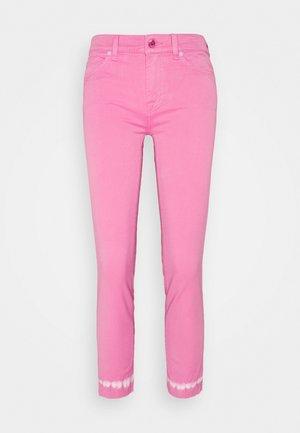 ROXANNE ANKLE COLLEFHAN - Skinny džíny - pink