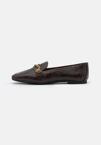 CAMILLA - Nazouvací boty - brown