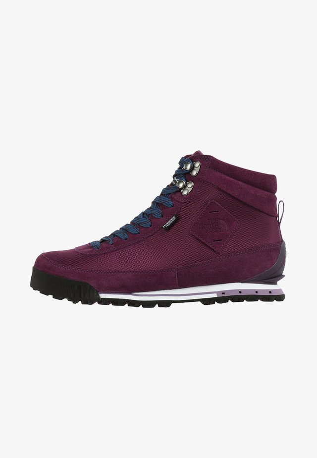 BACK-TO-BERKELEY II - Outdoorschoenen - purple