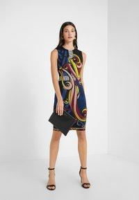Versace Collection - Etuikjoler - blue scarlatto - 1