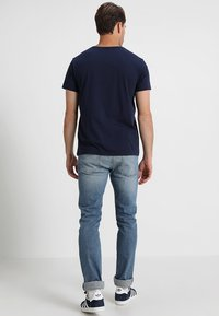 GANT - SHIELD - Camiseta estampada - evening blue