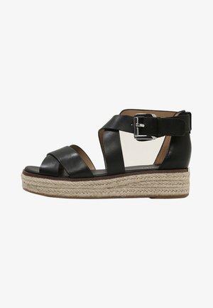 DARBY - Sandály na platformě - black