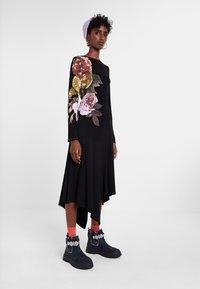 Desigual - VEST_ROSE - Day dress - black - 1