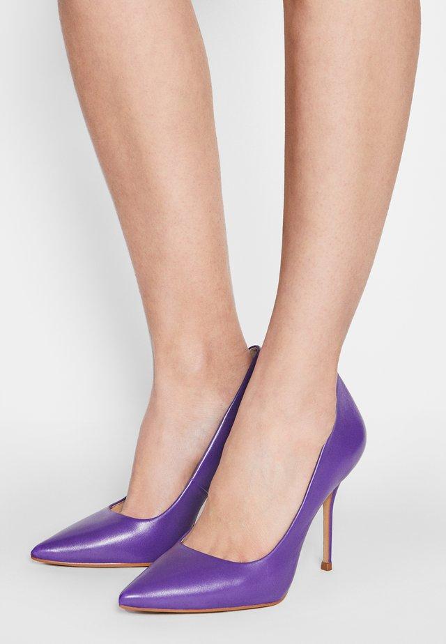GALICIA - Lodičky na vysokém podpatku - violet