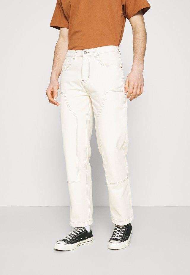 GARMENT DYED CARPENTER  - Jeans baggy - ecru