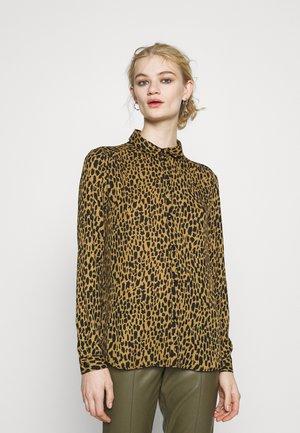 VILUCY BUTTON  - Button-down blouse - butternut/wild