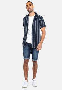 Threadbare - Camisa - blau - 1