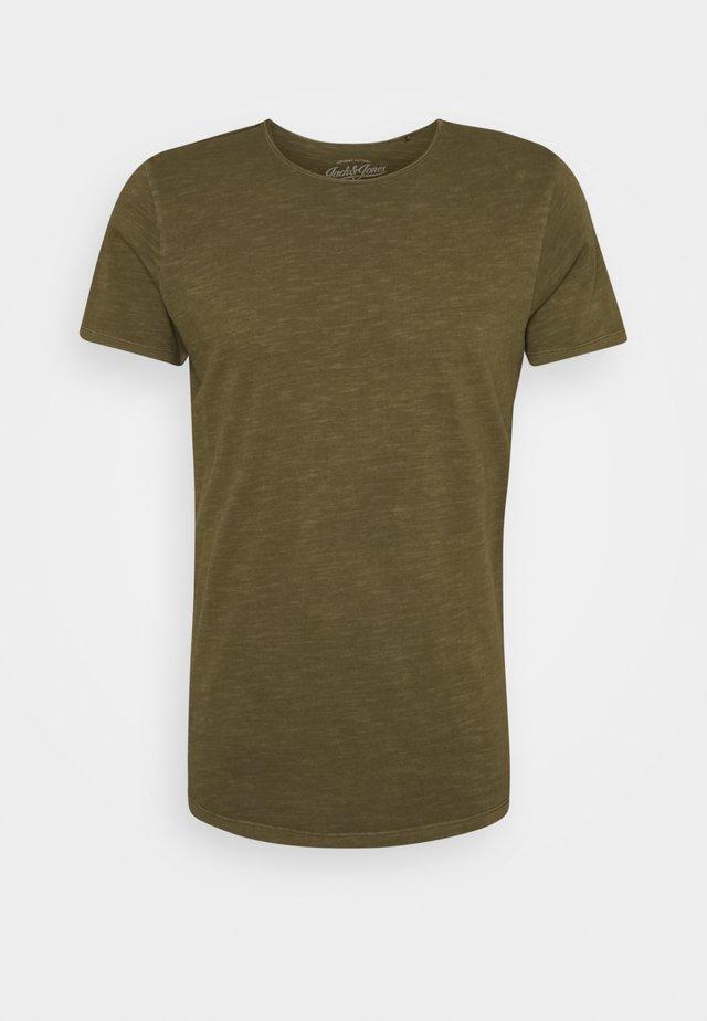 JJEASHER TEE O-NECK NOOS - Basic T-shirt - olive night