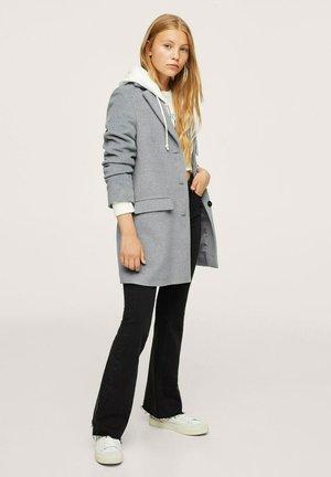 RECHTE JAS  - Klasyczny płaszcz - licht/pastelgrijs