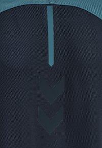 Hummel - ACTION - Zip-up hoodie - dark sapphire/blue coral - 2