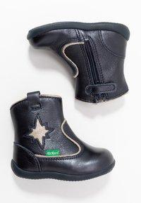 Kickers - BIBOOTS - Classic ankle boots - navy metallic - 0