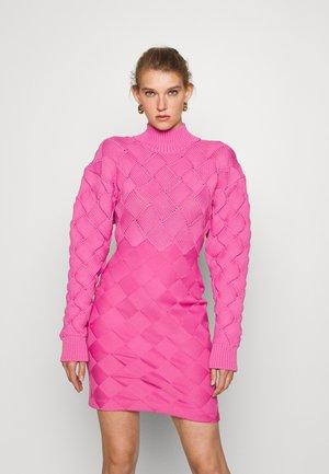 CHUNKY WEAVE BANDAGE  - Tubino - neon pink