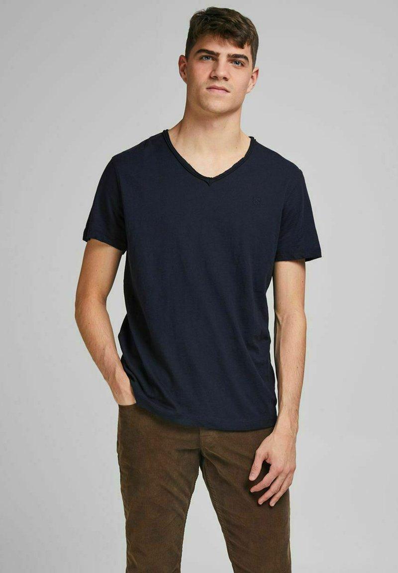 Jack & Jones PREMIUM - Basic T-shirt - peacoat