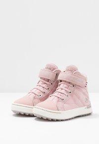 Viking - SAGENE MID GTX - Hiking shoes - light pink/violet - 3